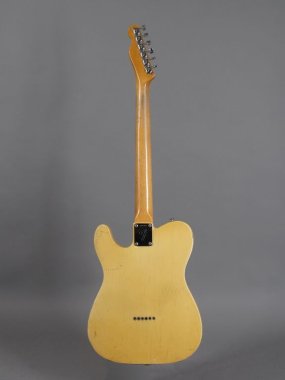 https://guitarpoint.de/app/uploads/products/1968-fender-telecaster-blond-lightweight-328-kg-2/1968-Fender-Telecaster-Blond-246382-3-576x768.jpg