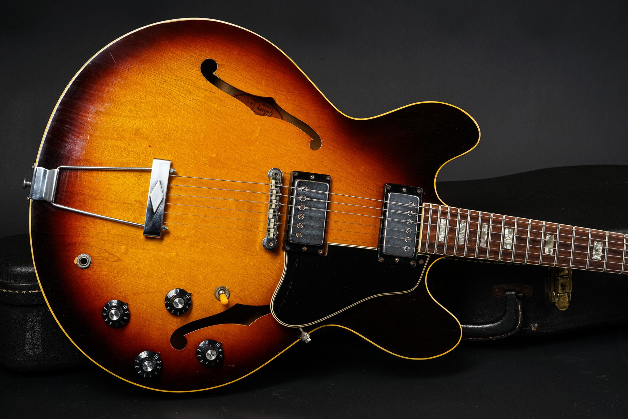 https://guitarpoint.de/app/uploads/products/1968-gibson-es-335-td-sunburst-3/1968-Gibson-ES-335TD-Sunburst-920817-7-2048x1366.jpg