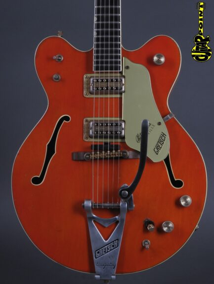 https://guitarpoint.de/app/uploads/products/1968-gretsch-6120-dc-chet-atkins-orange/Gretsch68_6120DC38192_2-433x576.jpg