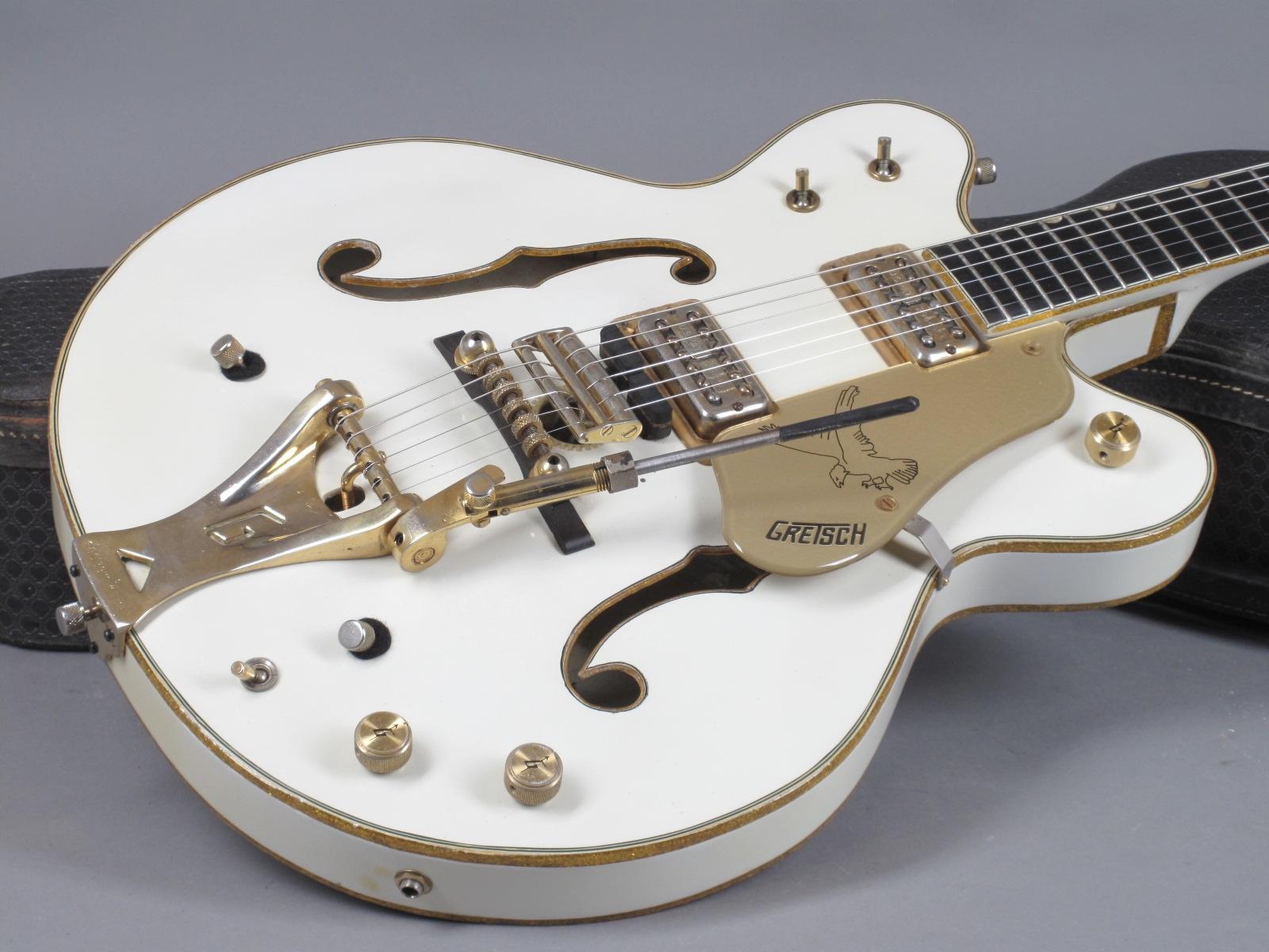 https://guitarpoint.de/app/uploads/products/1968-gretsch-white-falcon/1968-Gretsch-White-Falcon-8919-18.jpg