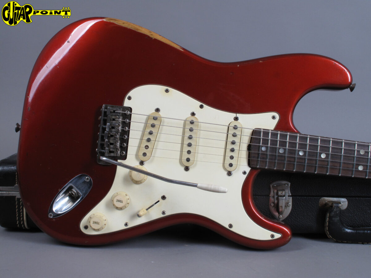 https://guitarpoint.de/app/uploads/products/1969-fender-stratocaster-candy-apple-red-2/Fender1969StrCAR_252718_101-1200x900.jpg