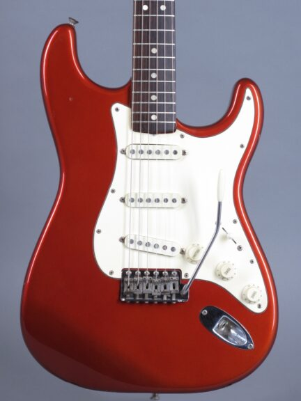 https://guitarpoint.de/app/uploads/products/1969-fender-stratocaster-candy-apple-red/1969-Fender-Stratocaster-Candy-Apple-Red-253693-2-432x576.jpg