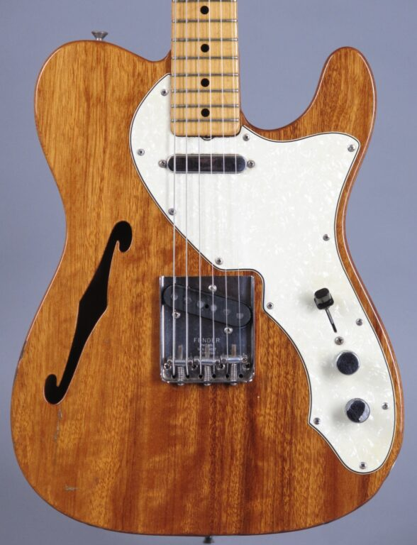 https://guitarpoint.de/app/uploads/products/1969-fender-telecaster-thinline-mahogany-natural/1969-Fender-Telecaster-Thinline-Mahogany-2-588x768.jpg