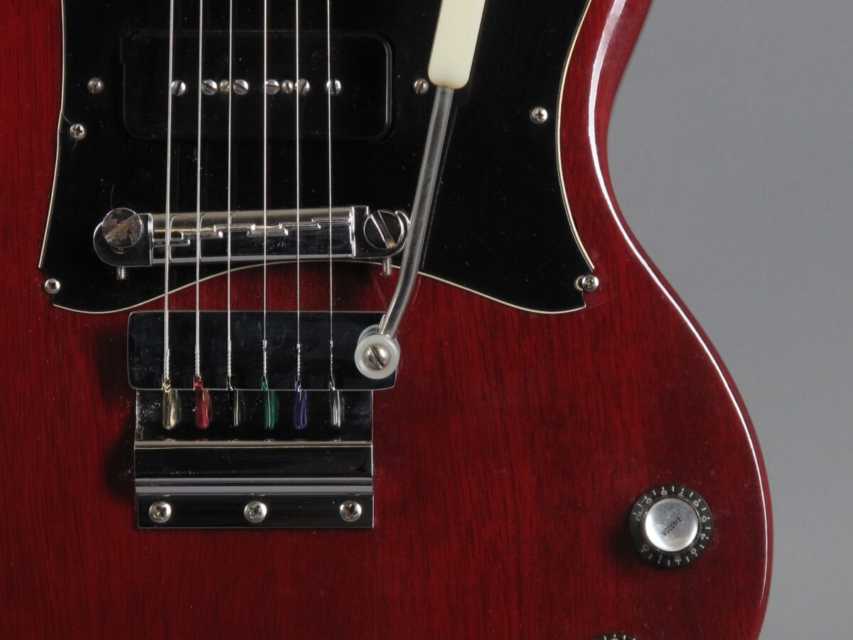 https://guitarpoint.de/app/uploads/products/1969-gibson-sg-junior-cherry/1969-Gibson-SG-Junior-Cherry-535150_18-1200x900.jpg