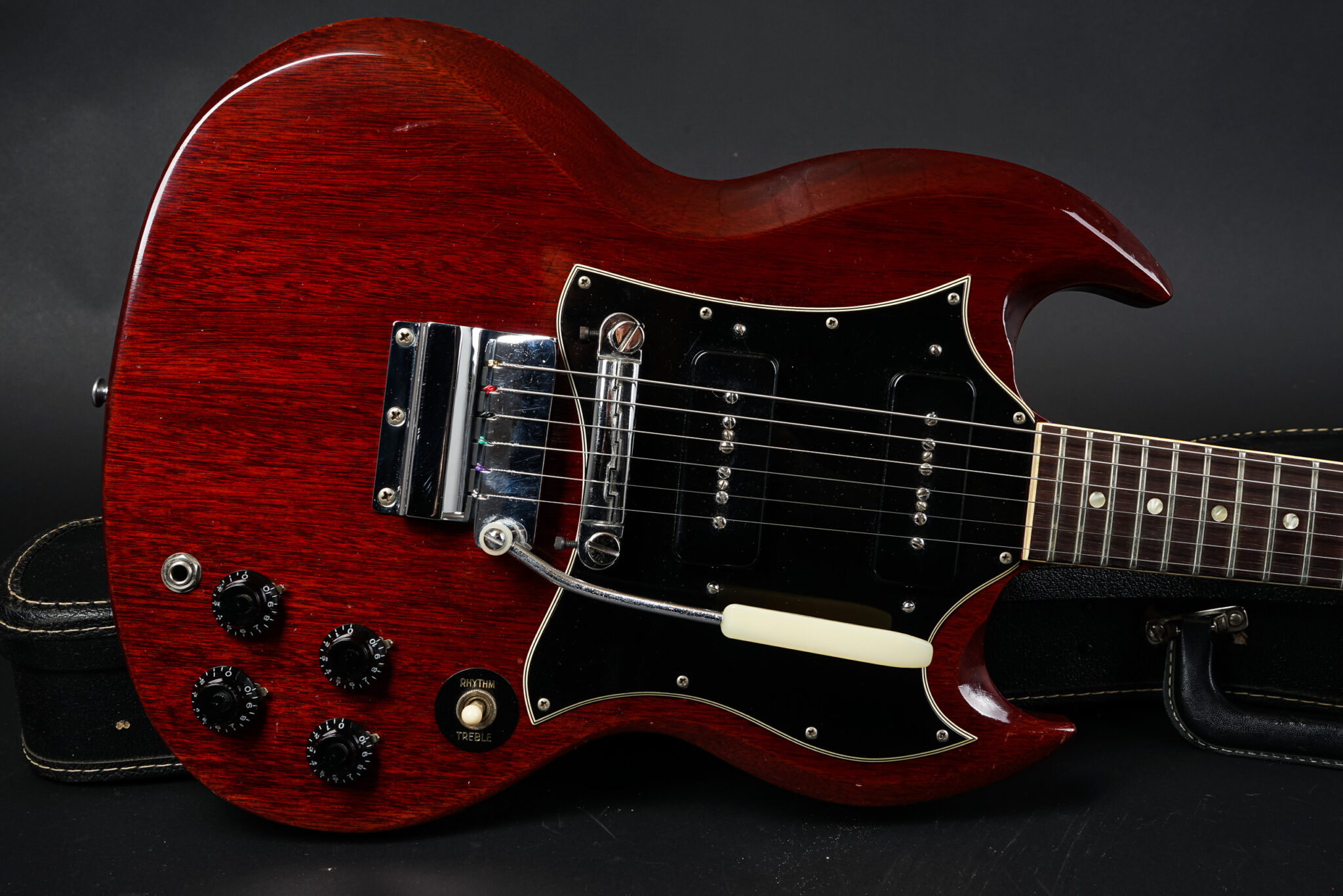 https://guitarpoint.de/app/uploads/products/1969-gibson-sg-special-cherry-5/1969-Gibson-SG-Special-Cherry-860000-9-2048x1366.jpg