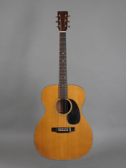 https://guitarpoint.de/app/uploads/products/1969-martin-000-18-natural/1969-Martin-000-18-Natural-252425-1-432x576.jpg