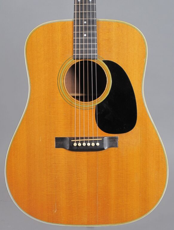 https://guitarpoint.de/app/uploads/products/1969-martin-d-28-natural/1969-Martin-D-28-Natural-251219-2-582x768.jpg
