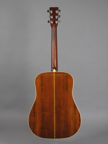 https://guitarpoint.de/app/uploads/products/1969-martin-d-28-natural/1969-Martin-D-28-Natural-251219-3-432x576.jpg