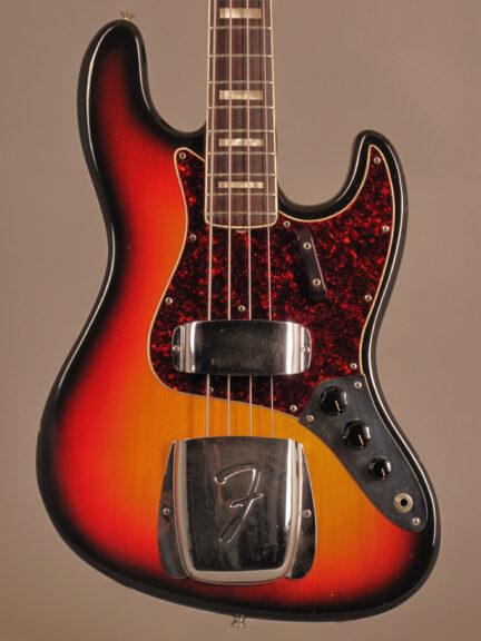 https://guitarpoint.de/app/uploads/products/1972-fender-jazz-bass-sunburst/1972-Fender-Jazz-Bass-Sunburst-344257-2-432x576.jpg
