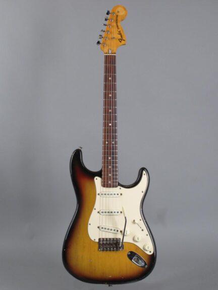 https://guitarpoint.de/app/uploads/products/1972-fender-stratocaster-sunburst/1972-Fender-Stratocaster-3TS-353898-1-432x576.jpg