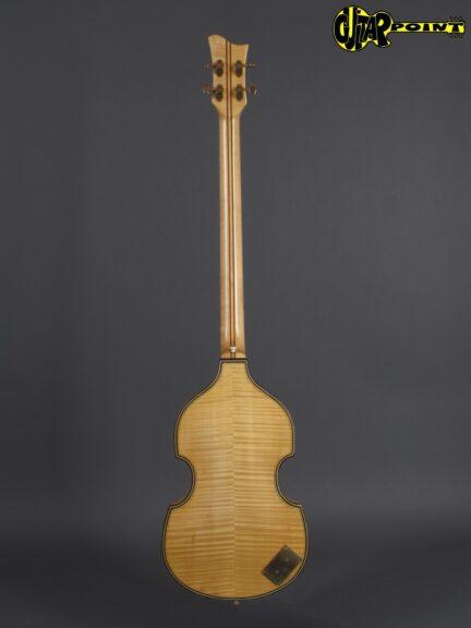 https://guitarpoint.de/app/uploads/products/1972-hoefner-5000-1b-super-beatles-bass-natural/Hofner72_5000B_3-432x576.jpg
