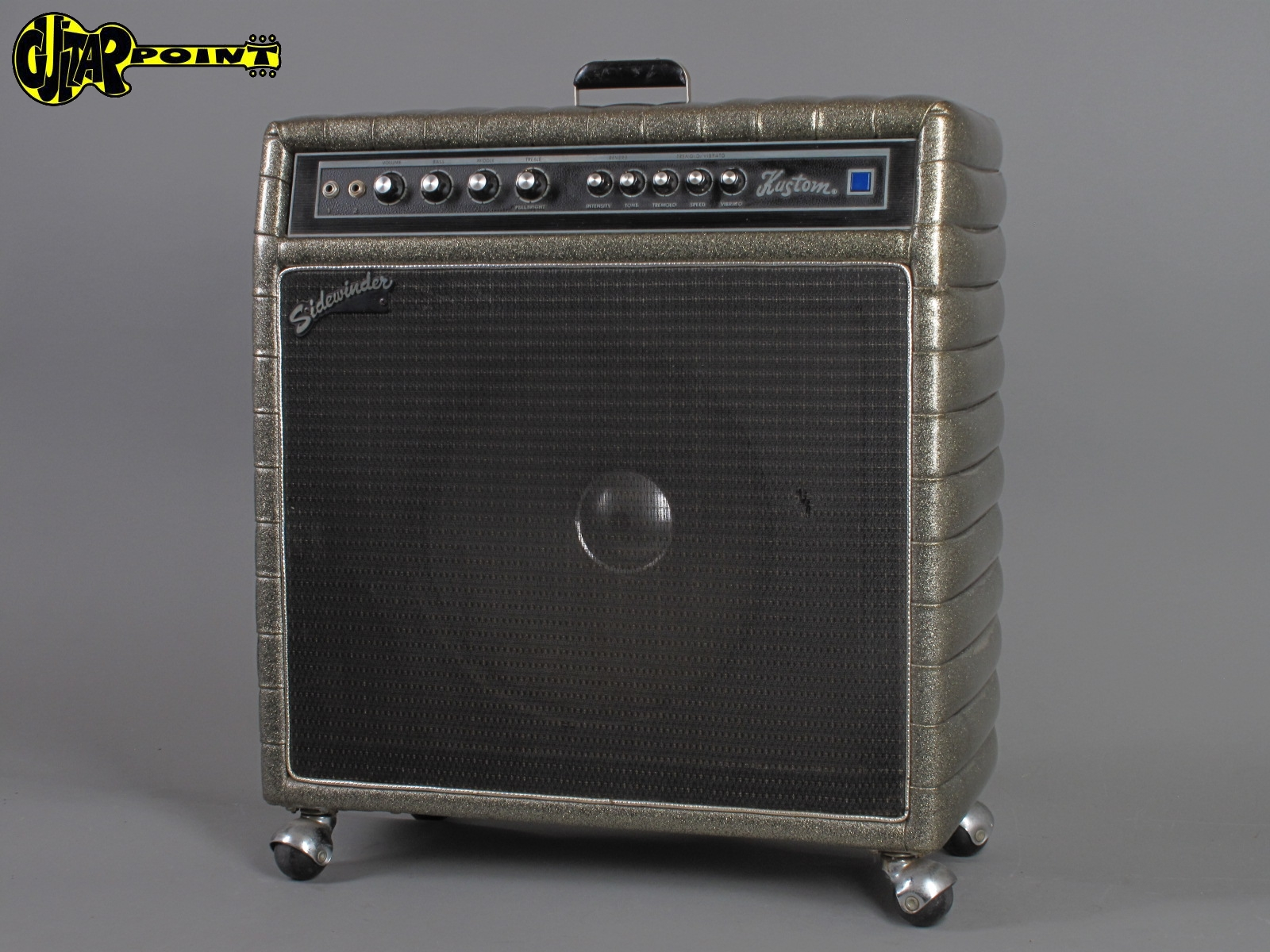 https://guitarpoint.de/app/uploads/products/1972-kustom-sidewinder-24c-tuck-roll-1x15-150-watt/Kustom_Sidewinder24Cx_21.jpg