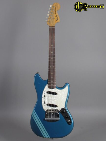 https://guitarpoint.de/app/uploads/products/1973-fender-mustang-competition-lake-placid-blue/Fender73MustCompLPB386267_1-432x576.jpg