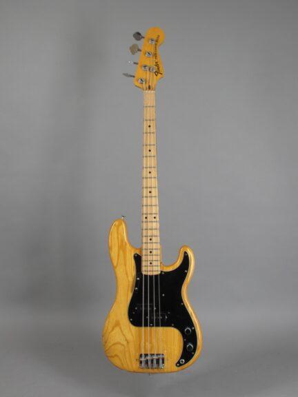 https://guitarpoint.de/app/uploads/products/1973-fender-precision-bass-natural/1973-Fender-Precision-Bass-Natural-407652x-1-432x576.jpg