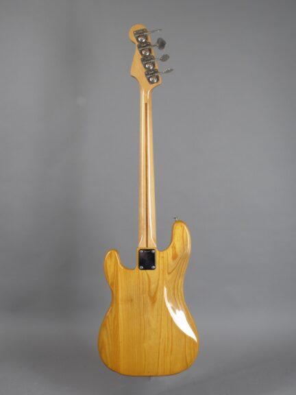 https://guitarpoint.de/app/uploads/products/1973-fender-precision-bass-natural/1973-Fender-Precision-Bass-Natural-407652x-3-432x576.jpg