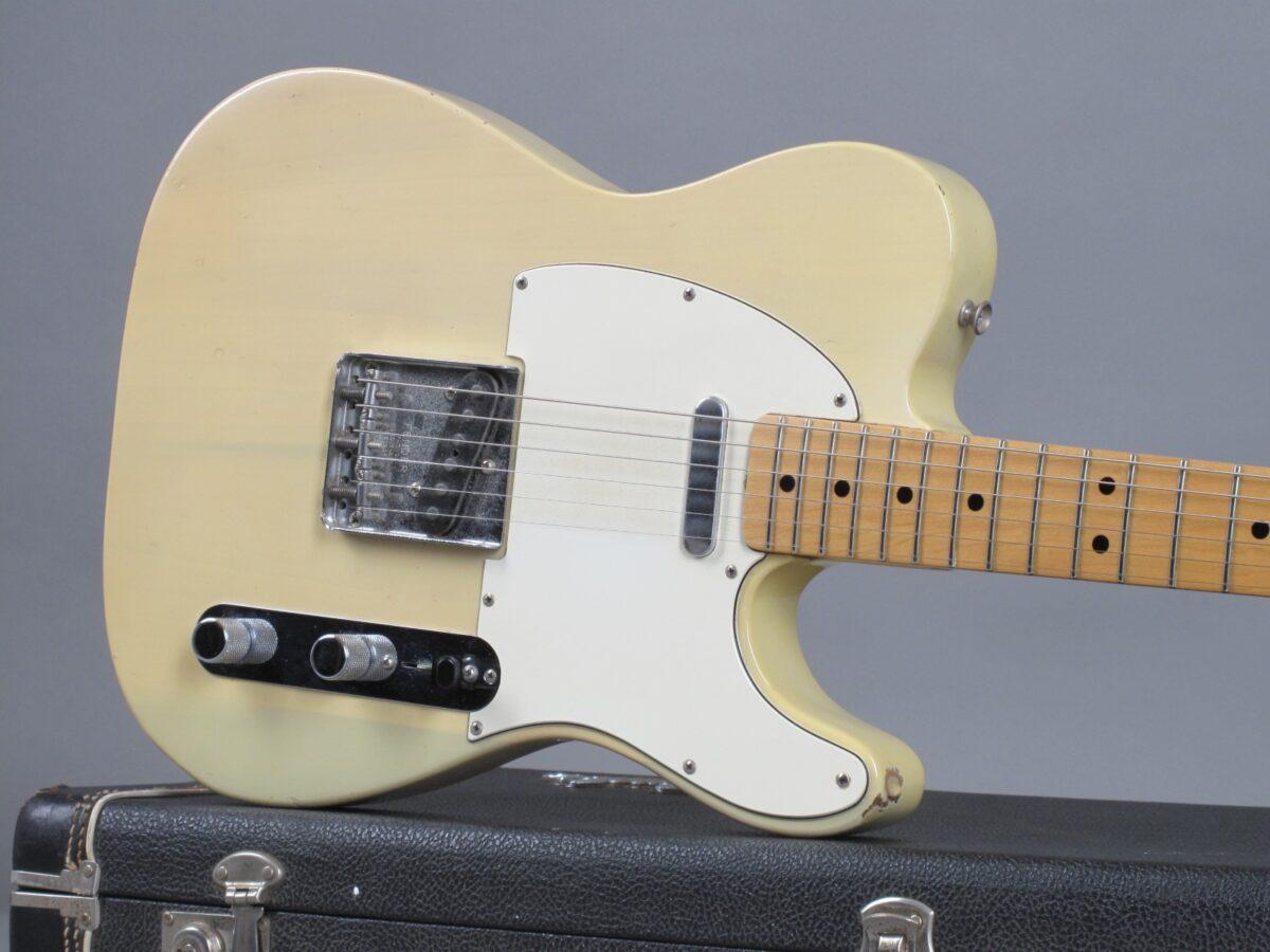 https://guitarpoint.de/app/uploads/products/1973-fender-telecaster-blond-507533/1973-Fender-Telecaster-Blond-507533-19-1200x900.jpg