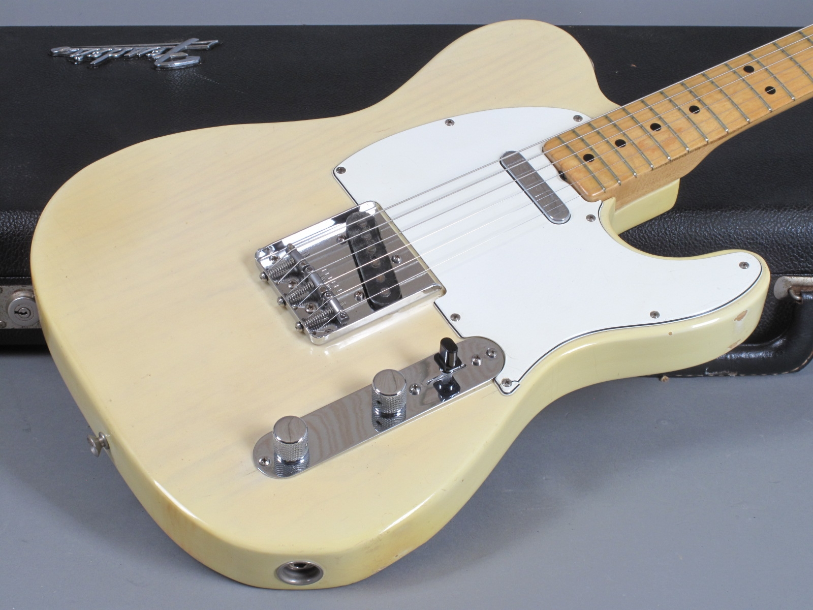 https://guitarpoint.de/app/uploads/products/1973-fender-telecaster-blond-super-clean/1973-Fender-Telecaster-Blond-377899_17.jpg