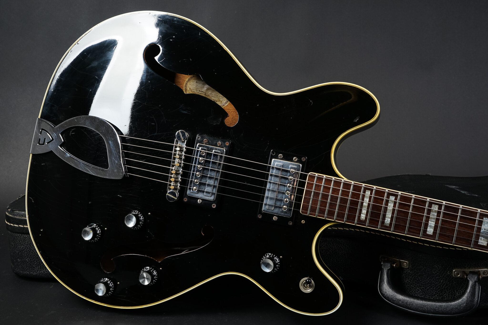 https://guitarpoint.de/app/uploads/products/1973-guild-starfire-iv-black/1973-Guild-Starfire-IV-Black-8-2048x1366.jpg