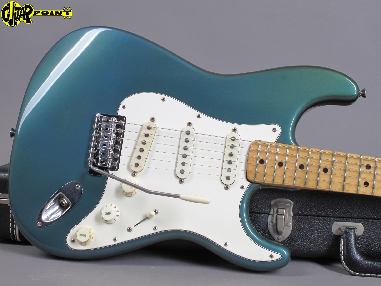 https://guitarpoint.de/app/uploads/products/1974-fender-stratocaster-lake-placid-blue/Fender1974StrLPB526895_11.jpg
