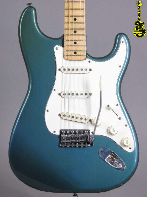 1974 Fender Stratocaster - Lake Placid Blue