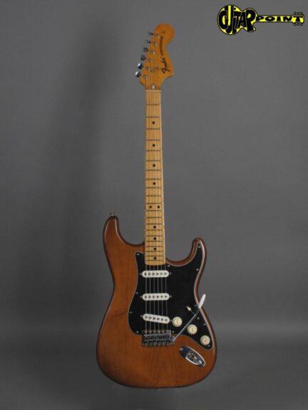 https://guitarpoint.de/app/uploads/products/1974-fender-stratocaster-mocha-2/Fender74StrMocha532533_1-432x576.jpg
