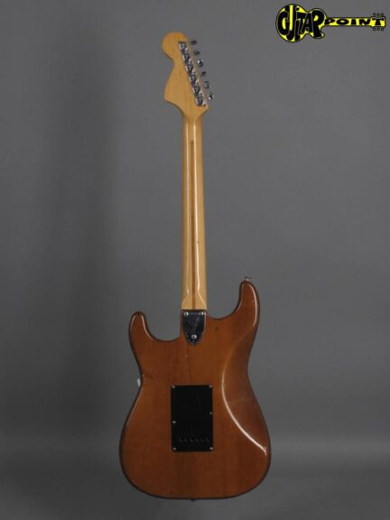 https://guitarpoint.de/app/uploads/products/1974-fender-stratocaster-mocha-2/Fender74StrMocha532533_3-432x576.jpg