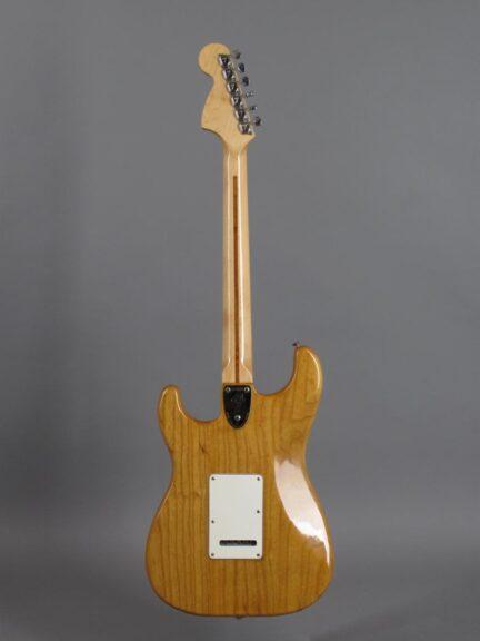 https://guitarpoint.de/app/uploads/products/1974-fender-stratocaster-natural-2/1974-Fender-Stratocaster-Natural-522630_3-432x576.jpg