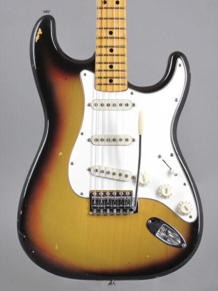 https://guitarpoint.de/app/uploads/products/1974-fender-stratocaster-sunburst-2/1974-Fender-Stratocaster-Sunburst-532664-2-432x576.jpg