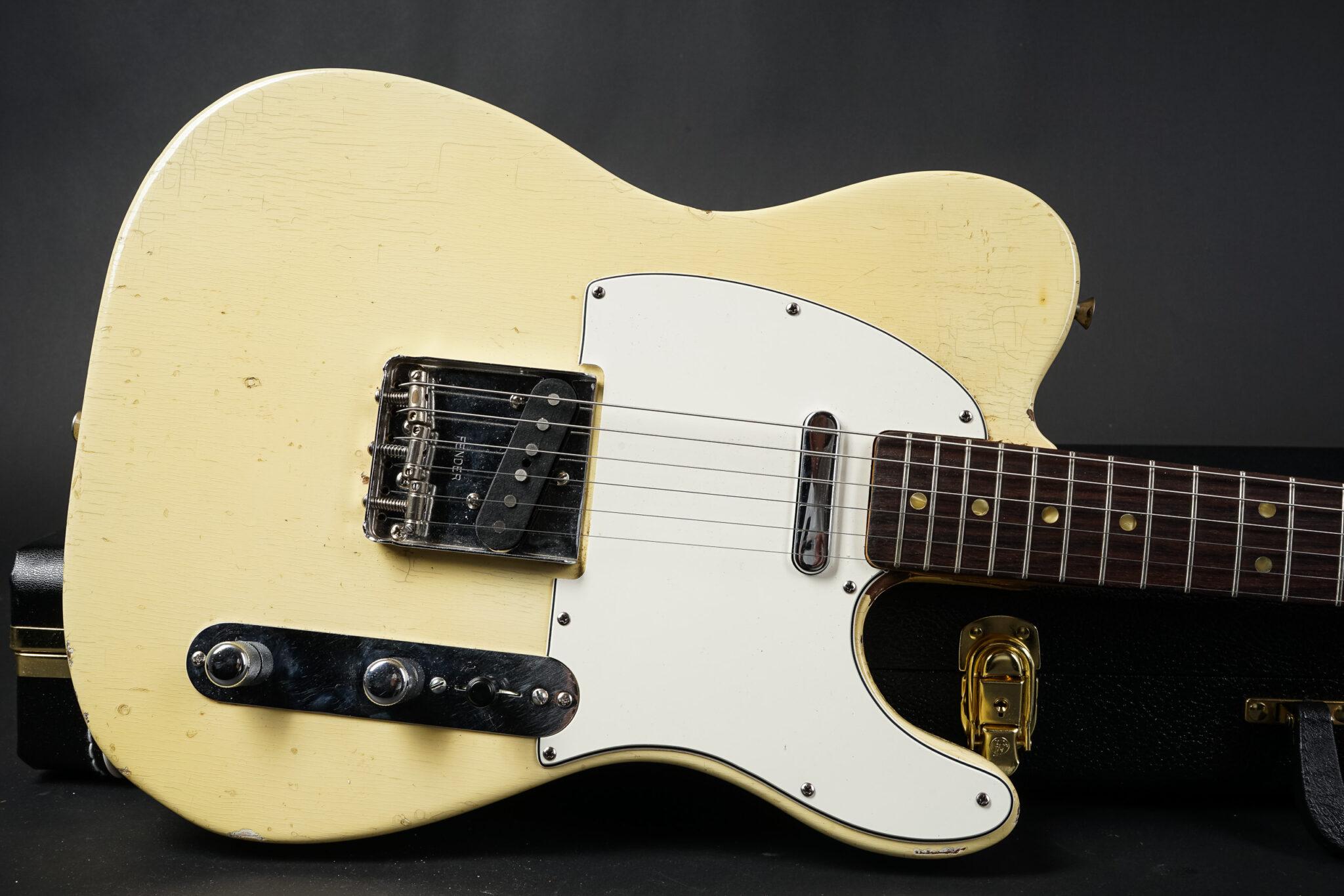 https://guitarpoint.de/app/uploads/products/1974-fender-telecaster-blond-7/1973-Fender-Teloeecaster-refin-426066-9-2048x1366.jpg