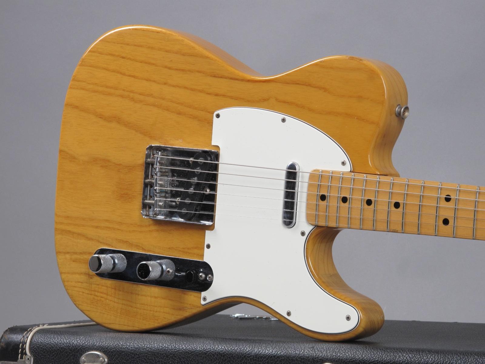 https://guitarpoint.de/app/uploads/products/1974-fender-telecaster-natural-3/1974-Fender-Telecaster-Natural-586737_19.jpg