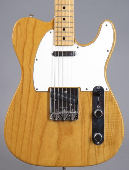 https://guitarpoint.de/app/uploads/products/1974-fender-telecaster-natural-3/1974-Fender-Telecaster-Natural-586737_2-437x576.jpg