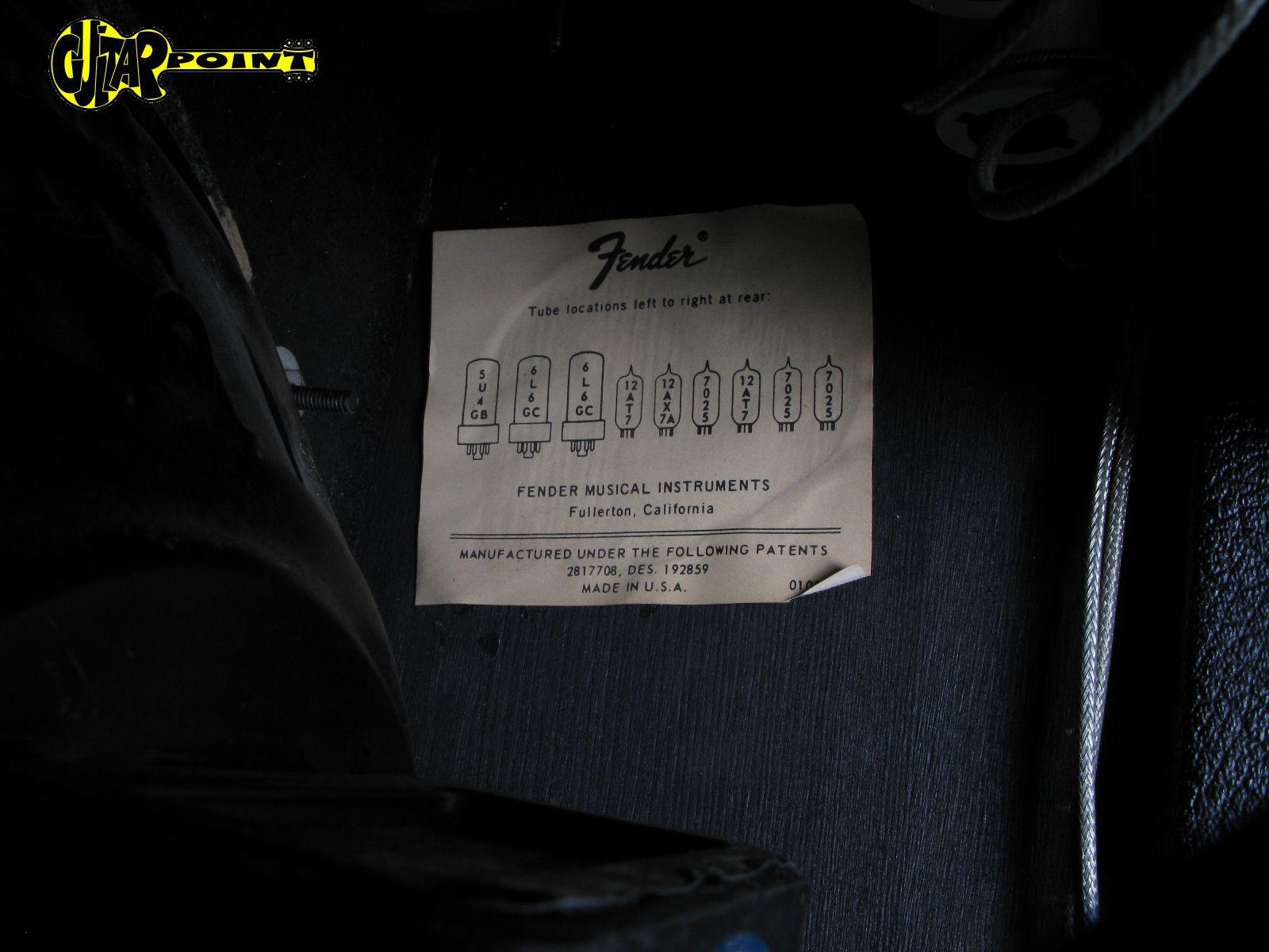 https://guitarpoint.de/app/uploads/products/1974-fender-vibrolux-reverb-amp/Fender74VibroluxA31146_11.jpg