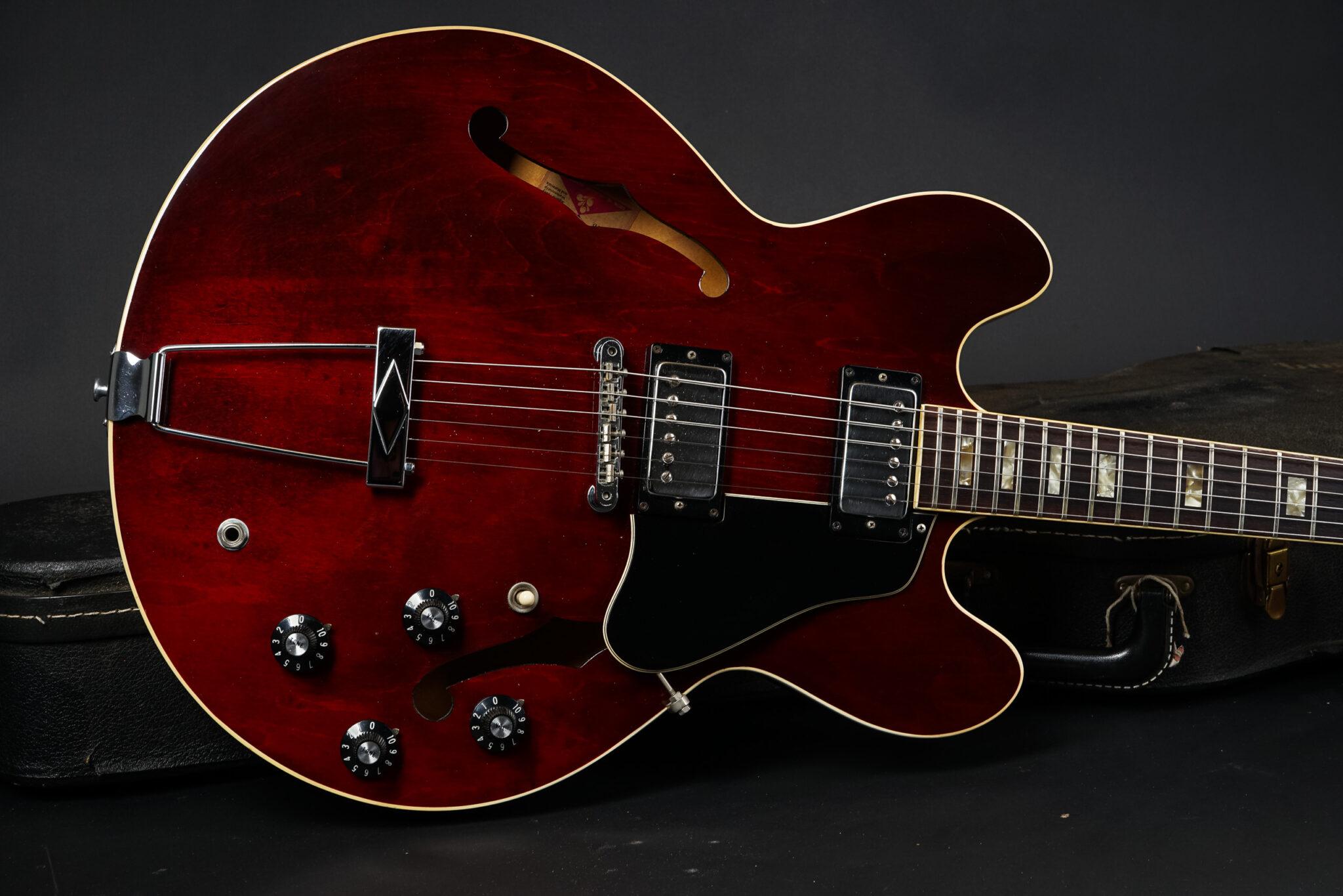 https://guitarpoint.de/app/uploads/products/1974-gibson-es-335-td-winered/1975-Gibson-ES-335TD-Winered-657197-9-2048x1366.jpg