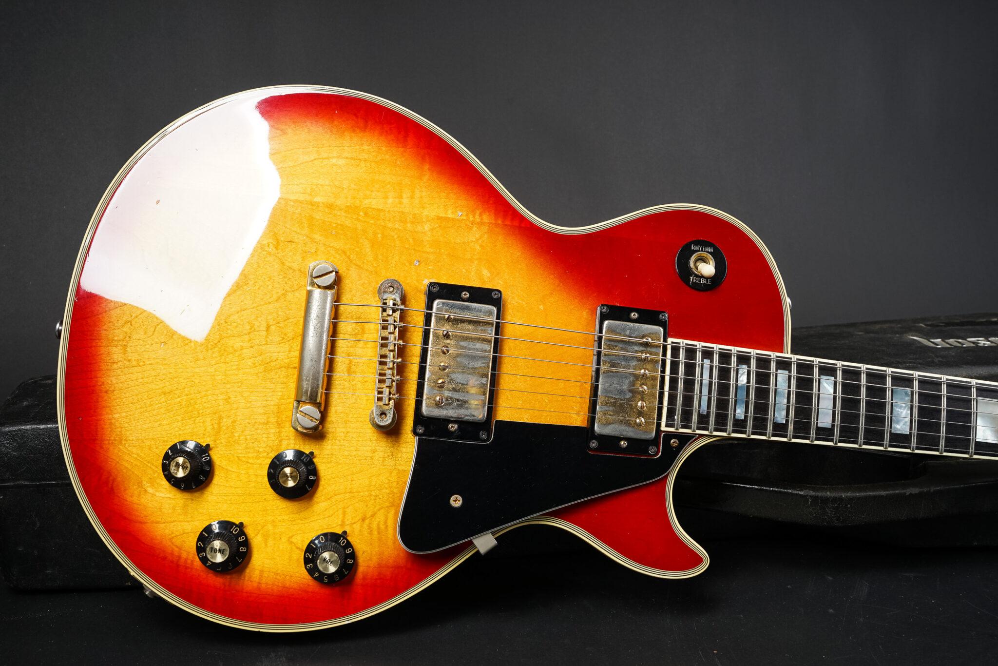 https://guitarpoint.de/app/uploads/products/1974-gibson-les-paul-custom-cherry-sunburst/1973-Gibson-Les-Paul-Custom-Cherry-SB-140141-9-2048x1366.jpg