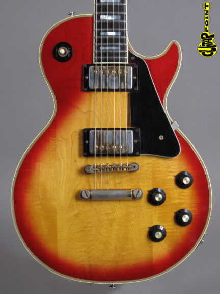 https://guitarpoint.de/app/uploads/products/1974-gibson-les-paul-custom-cherry-sunburst/Gibson74LPCCSB140441_2-432x576.jpg