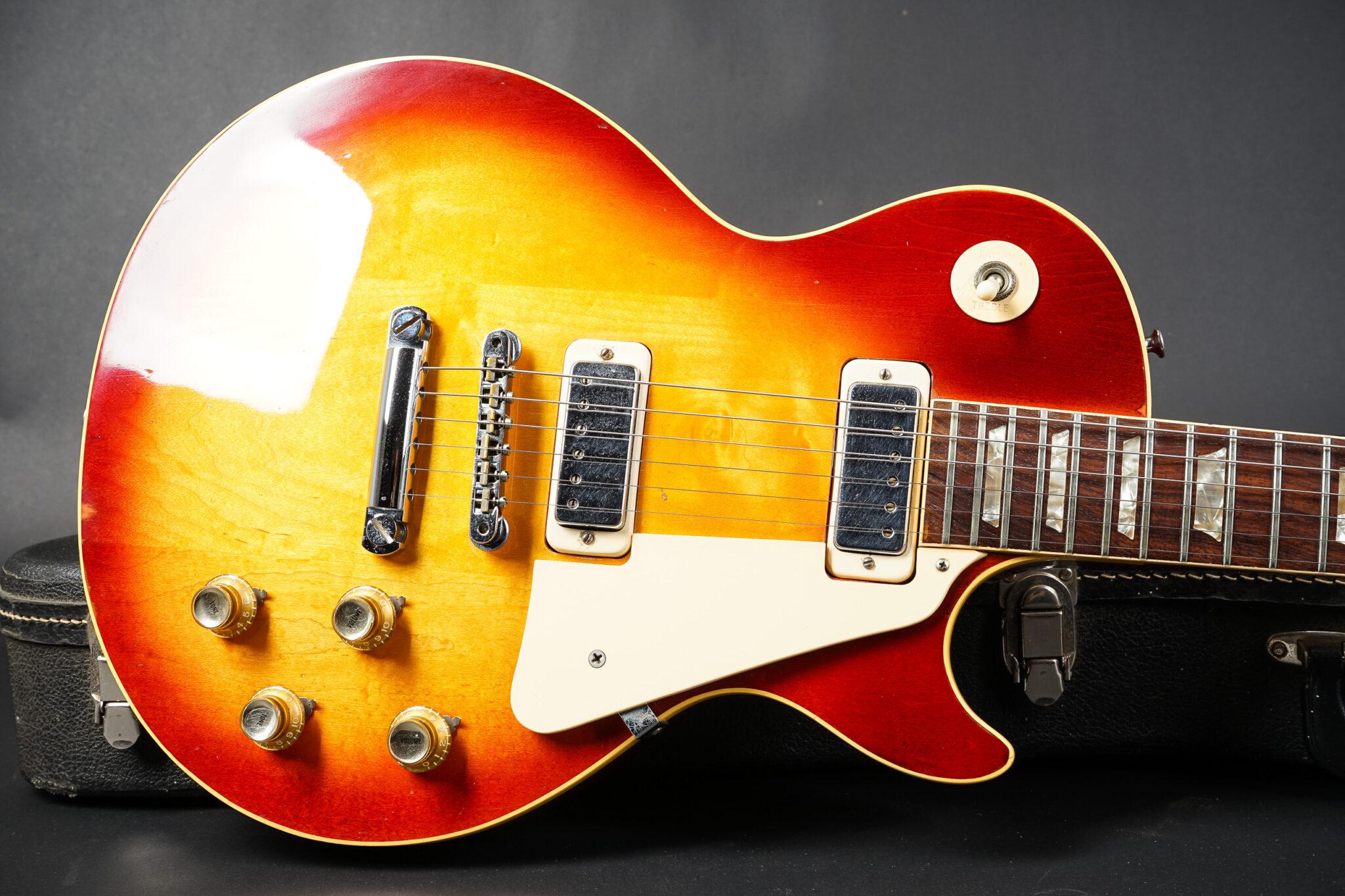 https://guitarpoint.de/app/uploads/products/1974-gibson-les-paul-deluxe-sunburst-2/1974-Gibson-Les-Paul-Deluxe-Sunburst-171559-10-2048x1366.jpg