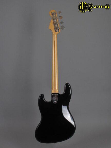 https://guitarpoint.de/app/uploads/products/1975-fender-jazz-bass-black-2/Fender75JazzBlkMN_NoS_3-432x576.jpg