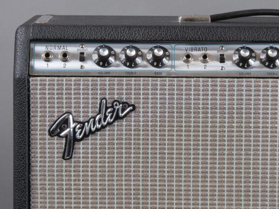 https://guitarpoint.de/app/uploads/products/1975-fender-pro-reverb-2x12-clean-w-hangtags/1974-Fender-Pro-Reverb-A18993_3-576x432.jpg