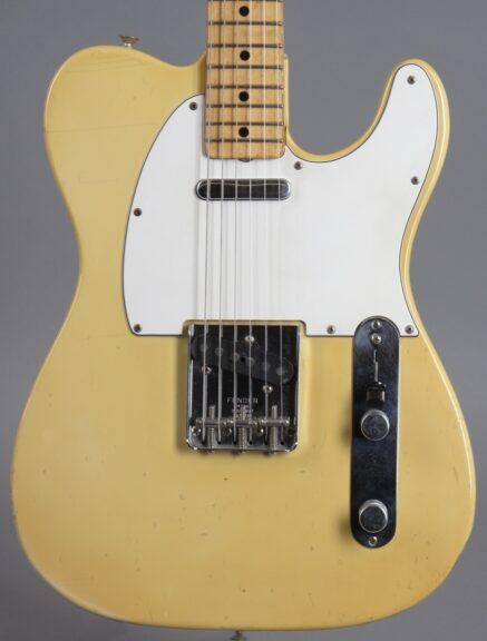 https://guitarpoint.de/app/uploads/products/1975-fender-telecaster-blond/1975-Fender-Telecaster-Blond-629815_2-437x576.jpg