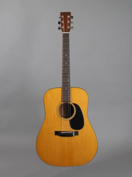 https://guitarpoint.de/app/uploads/products/1975-martin-d-18-natural-2/1975-Martin-D-18-Natural-354144_1-432x576.jpg