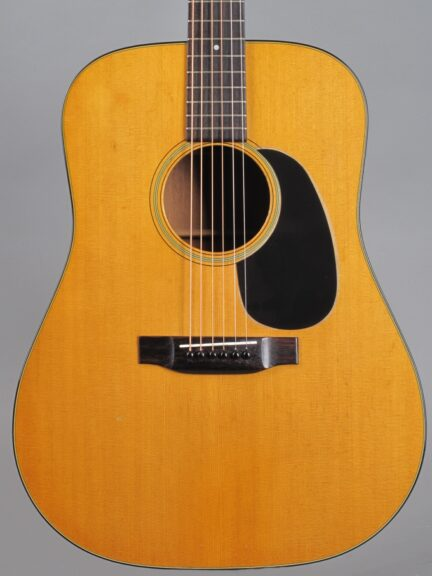 https://guitarpoint.de/app/uploads/products/1975-martin-d-18-natural-2/1975-Martin-D-18-Natural-354144_2-432x576.jpg