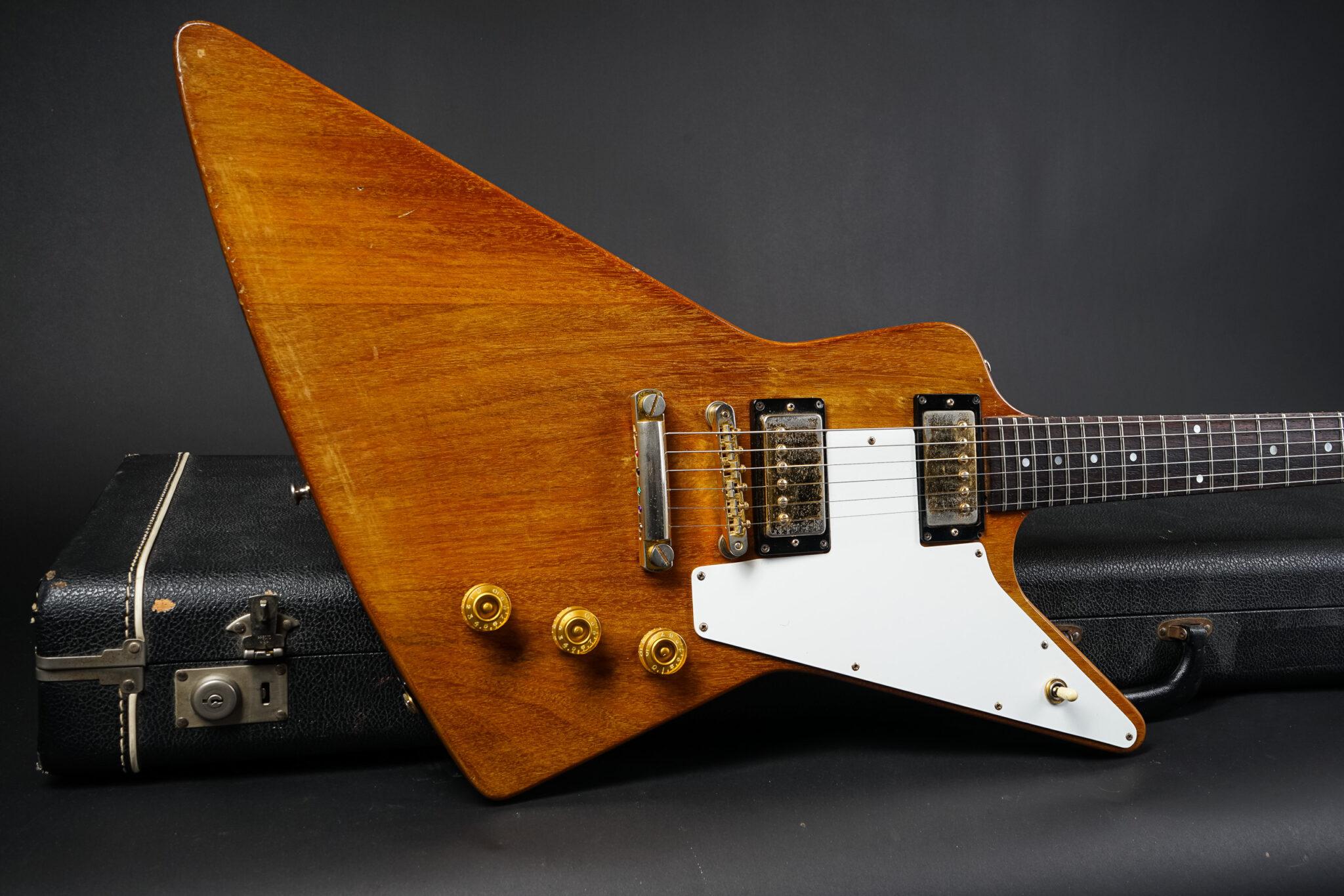 https://guitarpoint.de/app/uploads/products/1976-gibson-explorer-06247072/1977-Gibson-Explorer-Natural-06247072-9-2048x1366.jpg
