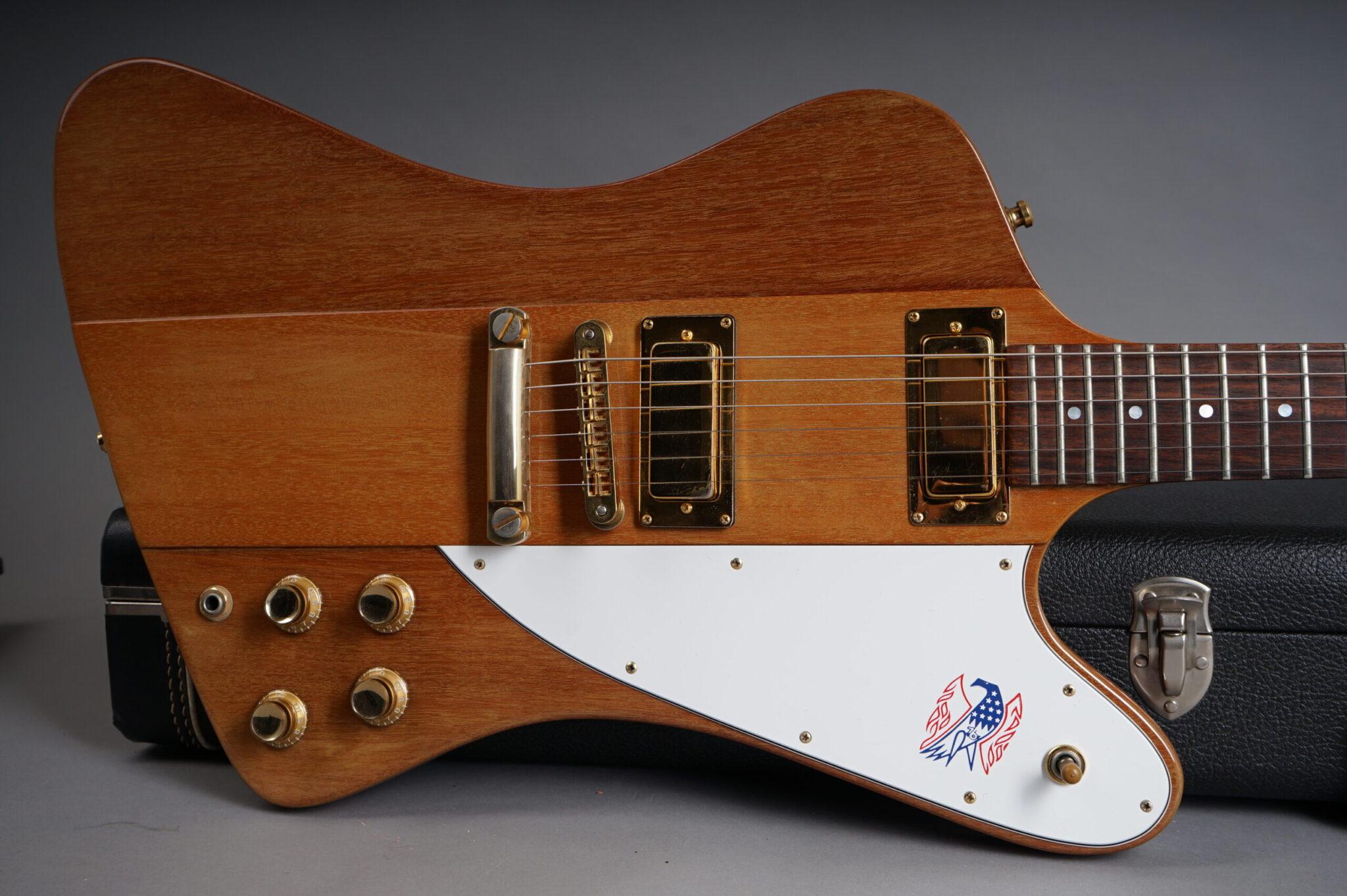 https://guitarpoint.de/app/uploads/products/1976-gibson-firebird-natural-mint/1976-Gibson-Firebird-Natural-00247329-9-scaled-2048x1362.jpg