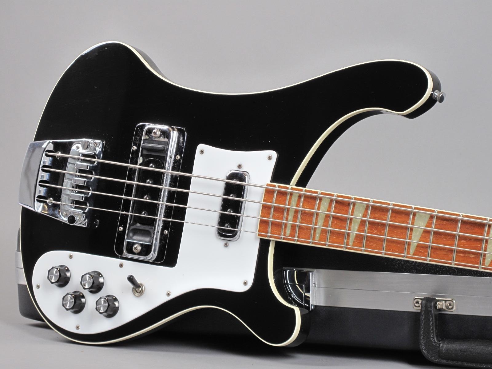 https://guitarpoint.de/app/uploads/products/1976-rickenbacker-4001-jetglo/1976_Rickenbacker-4001-Jetglo-PL7986_19.jpg