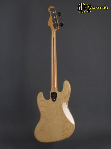 https://guitarpoint.de/app/uploads/products/1978-fender-jazz-bass-natural/Fender78JB_NTMN_S8848604x_3-432x576.jpg