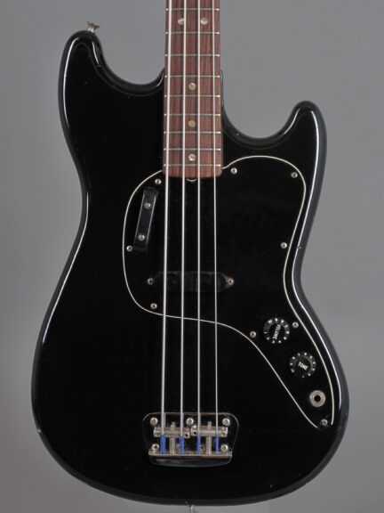https://guitarpoint.de/app/uploads/products/1978-fender-music-master-bass-black/1978-Fender-Musicmaster-Mass-Black_S825922_2-432x576.jpg