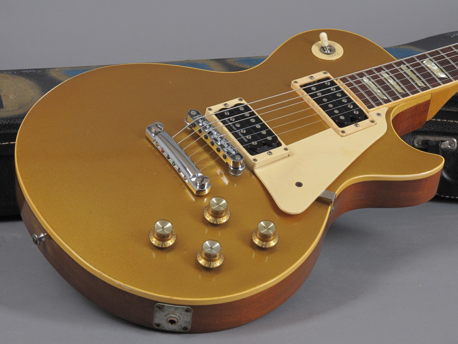 https://guitarpoint.de/app/uploads/products/1978-gibson-les-paul-deluxe-goldtop/1978-Gibson-Les-Paul-Deluxe-Goldtop-70248538_17.jpg