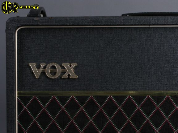 https://guitarpoint.de/app/uploads/products/1978-vox-ac-30-top-boost/Vox78AC3024892_3-576x432.jpg