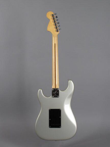 https://guitarpoint.de/app/uploads/products/1979-fender-stratocaster-25th-anniversary/1979-Fender-Stratocaster-25th-Anniversary-259797_3-432x576.jpg