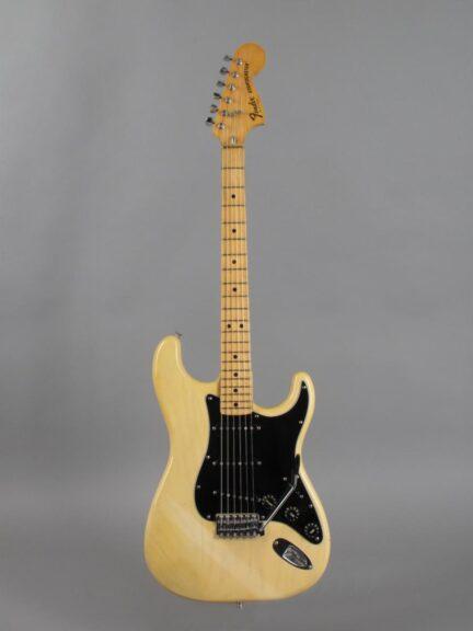 https://guitarpoint.de/app/uploads/products/1979-fender-stratocaster-blond-2/1979-Fender-Stratocaster-Blond-S919869_1-432x576.jpg